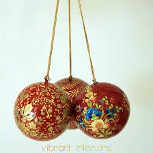 tree ornaments baubles balls vibrant interiors