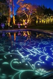 Backyard Wedding Lighting by Best 25 Backyard Wedding Pool Ideas On Pinterest Floating Pool