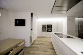 cuisine avec cave a vin cuisine avec cave a vin amazing view ue ue with cuisine avec