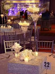 Crystal Wedding Centerpieces Wholesale by Best 25 Martini Glass Centerpiece Ideas On Pinterest Cocktail