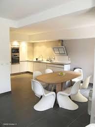 cuisine blanche ouverte sur salon entreprise de rénovation installation et pose de cuisines à