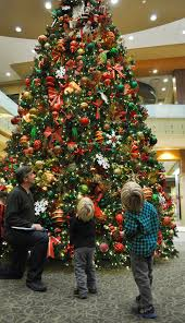 nea baptist auxiliary provides christmas tree for hospital