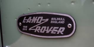 land rover logo new land rover defender will reportedly be a high tech off road