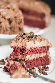 healthy vegan red velvet cake chocolate mousse frosting gluten