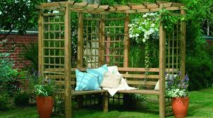 this is a whole big set up created with the wooden pallets this