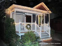 how to hang icicle lights houses decorated with christmas lights