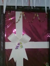 a christmas present decorative classroom doors pinterest