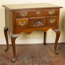 queen anne entry table vintage queen anne style entry table by harden ebth
