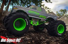 rc monster truck videos everybody u0027s scalin u0027 u2013 monsterizing a monster truck big squid rc