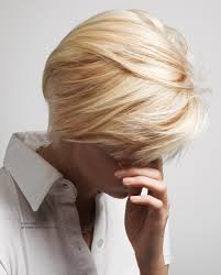 short blonde hair with lowlights for contrast