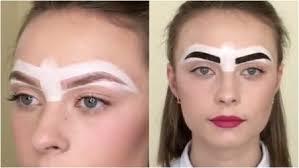ala di gabbiano sopracciglia usa la colla per trasformare le sue sopracciglia crea un makeup