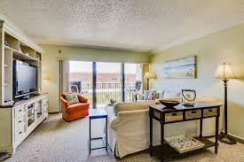 Cocoa Beach Cottage Rentals by Heart Of Cocoa Beach Chateau 2 Bd Vacation Rental In Cocoa Beach