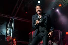 lionel richie home lionel richie singer songwriter theatrical producer tv guide
