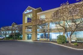Comfort Inn Canton Mi Baymont Inn U0026 Suites Canton Mi Booking Com