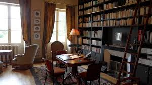 bureau bibliotheque mansion in yonne 2 h from by motorway 420 m 5 ha