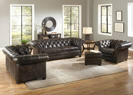 Chesterfield Sofa In Living Room by Decor Living Room Design With Chesterfield Couch And Armchair