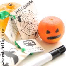 free printable halloween treat bag labels free printable halloween treat bags druckvorlage halloween