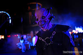 Six Flags Summer Thrill Pass Six Flags Magic Mountain Fright Fest 2017 Review Theme Park