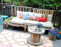 Patio Furniture Pallets by Diy Outdoor Pallet Sofa Jenna Burger