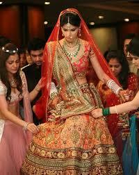 Different Ways Of Draping Dupatta On Lehenga Trendy Ways To Drape Dupatta Trendyoutlook Com