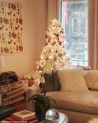 small white christmas tree bethenny frankel shows white christmas tree bought for