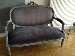 restaurer canapé restauration et modernisation canapé louis xvi classique chic