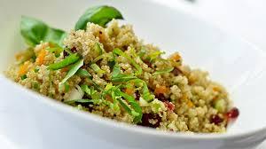 cuisiner du quinoa recette salade de quinoa de geneviève fillion recettes de chefs ca