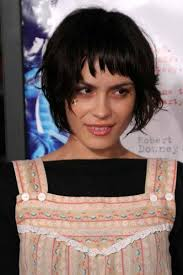 are bangs okay with medium short hair on 50 year old celebrity hair cuts short bangs shannyn sossaman bridget