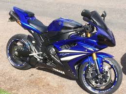stunning yamaha r1 in the sought after 2007 model in downend