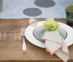 design the perfect summer table setting for your outdoor party