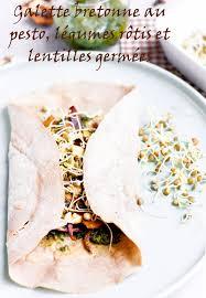 cuisiner des l馮umes sans mati鑽e grasse galette bretonne au pesto légumes rôtis et lentilles germées