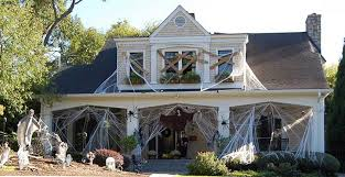 How To Make A Haunted Maze In Your Backyard Halloween Decorating Ideas To Scare Up A Great Yard Public
