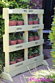 pallet gardening ideas christmas lights decoration