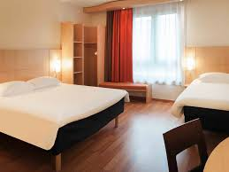 cheap hotel brussels centre ibis near gare midi