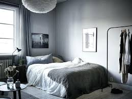 chambre adulte grise idee deco chambre a coucher awesome pin it with idee deco papier