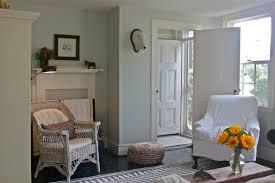 cottage livingroom living room