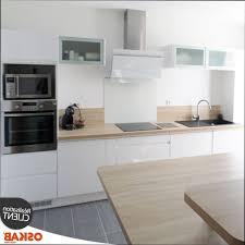 credence cuisine blanche cuisine blanche en bois cuisine blanche et plan de travail bois