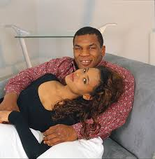 robin givens hair mike tyson and robin givens at home in l a ca photo by anthony