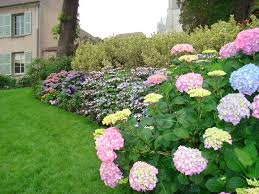 Pretty Garden Ideas Beautiful House Gardens Also Gorgeous Flowers And In Concept