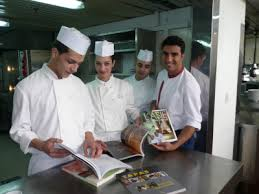 ecole de cuisine de cours de cuisine chef best a chef the skill of fish cutting in the