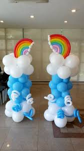 Balloons On Sticks Centerpiece by Best 25 Rainbow Balloons Ideas On Pinterest Rainbow Birthday