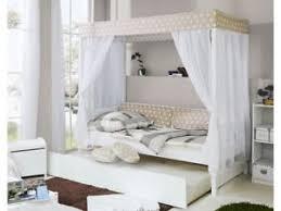 letto baldacchino letto a baldacchino con letto estraibile in legno massello bianco