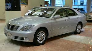 toyota crown prices in pakistan pictures and reviews pakwheels