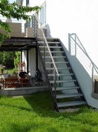 balkon mit treppe burg schlosserei treppen und stege