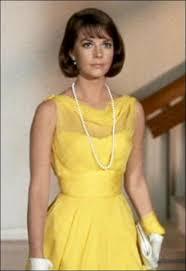 une vierge sur canapé quizz les plus belles robes jaunes du cinéma 3 quiz