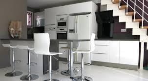 cuisine sous escalier création conception agencement décoration d une cuisine