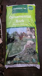 2 x 40 litre bags of ornamental bark chippings unopened in