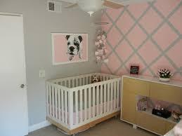 décoration murale chambre bébé fille design interieur chambre bebe fille deco murale gris lit