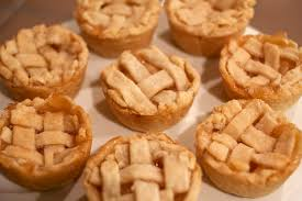 mini thanksgiving pies themontecristos