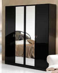 chambre a coucher adulte noir laqué chambres a coucher adultes 6 armoire 4 portes athena chambre a